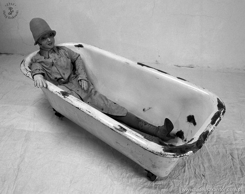 Kąpiąca się / Kobieta w wannie